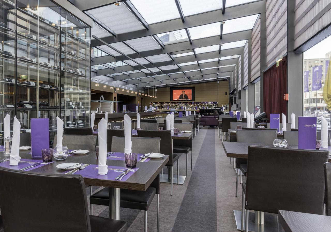 Park Inn by Radisson Berlin Alexanderplatz - Restaurant Spagos