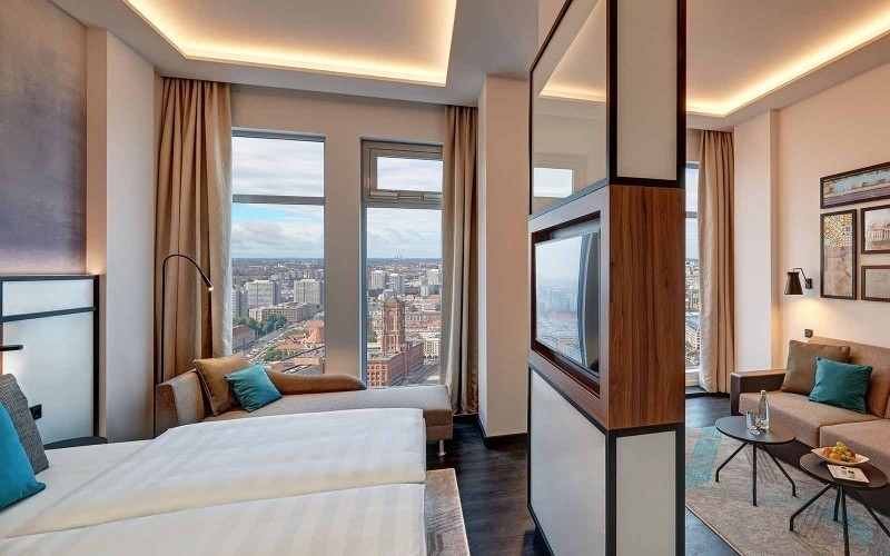 Park Inn by Radisson Berlin Alexanderplatz - Sky Suiten